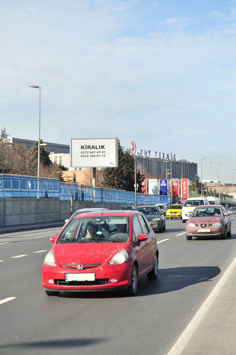 Durukan Reklam Ataturk Havalimani Pano A-01