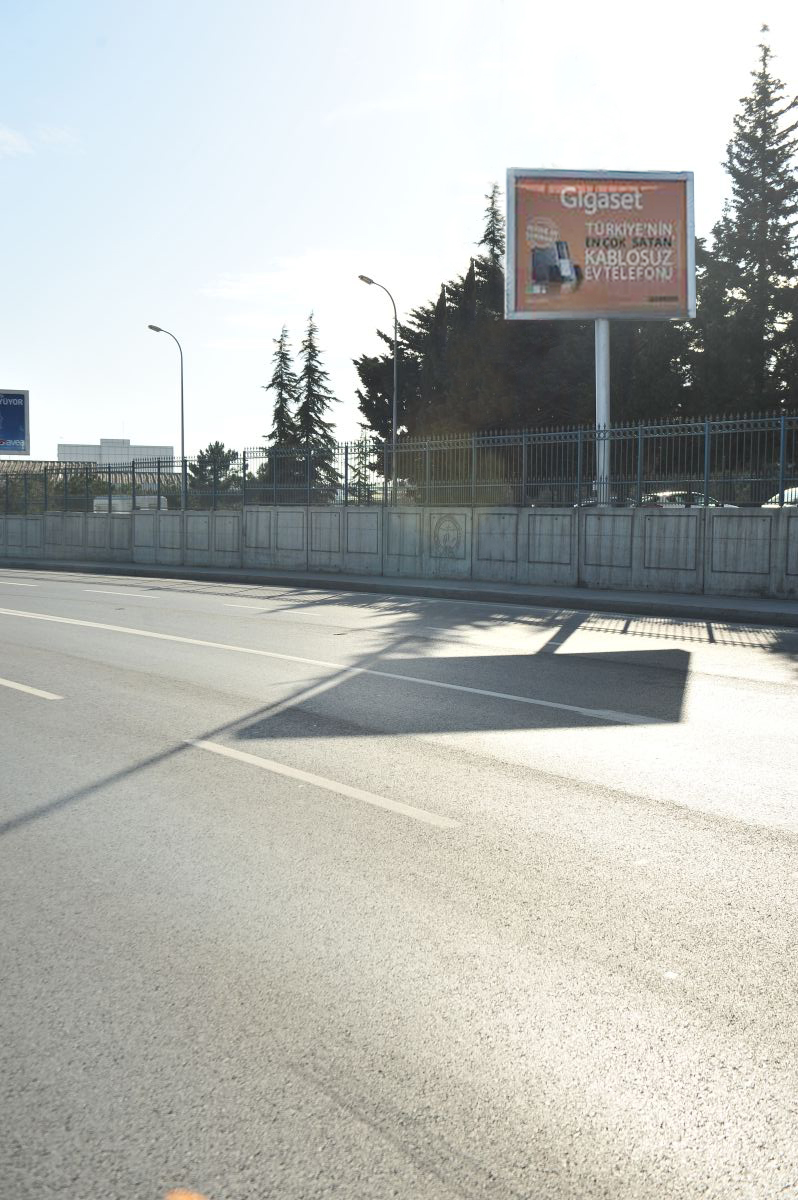 Durukan Reklam Ataturk Havalimani Pano A-03