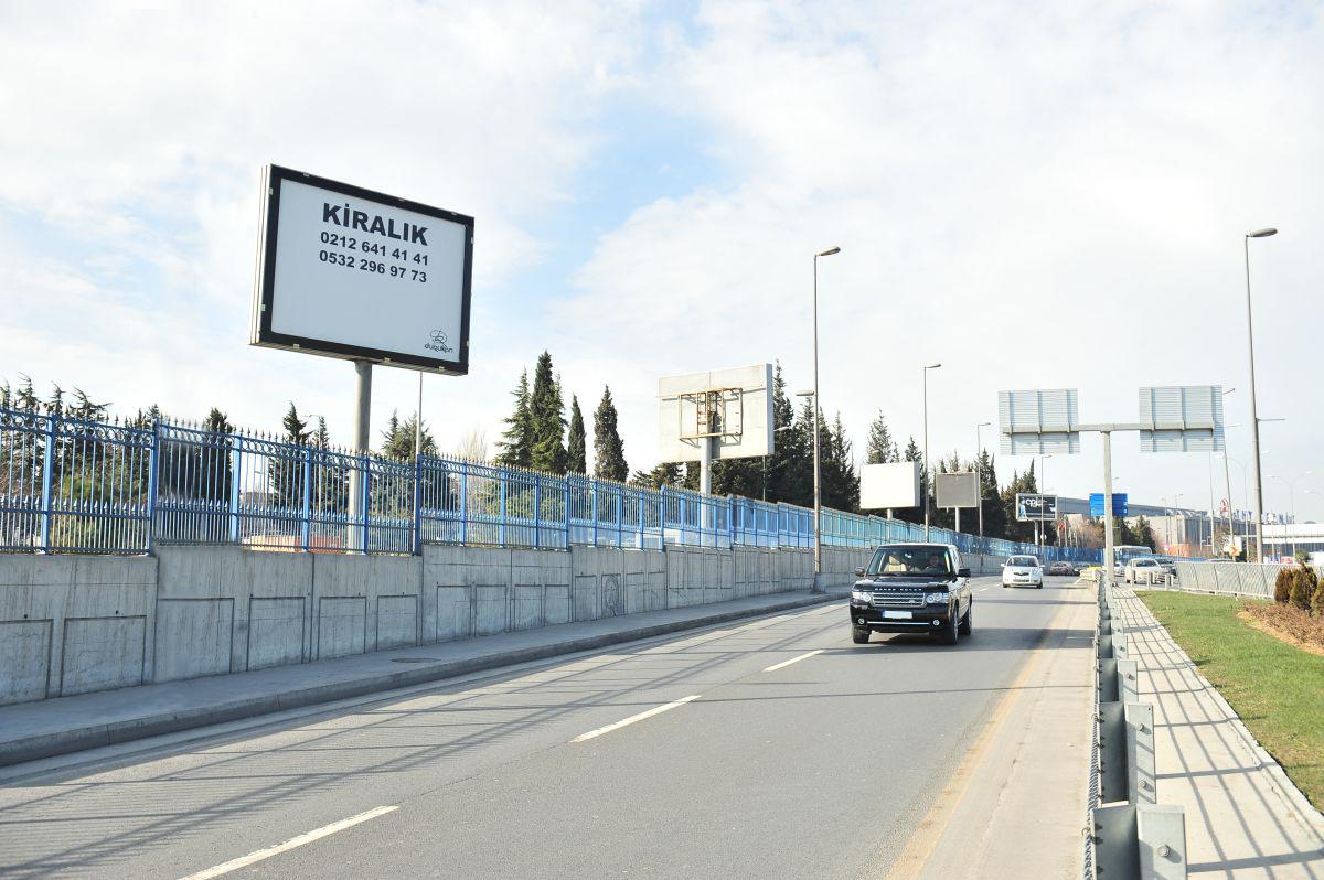 Durukan Reklam Ataturk Havalimani Pano A-05