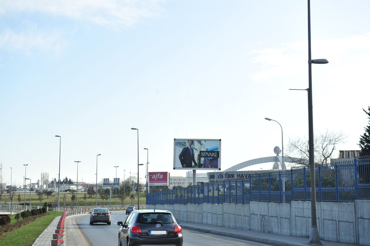 Durukan Reklam Ataturk Havalimani Pano A-06