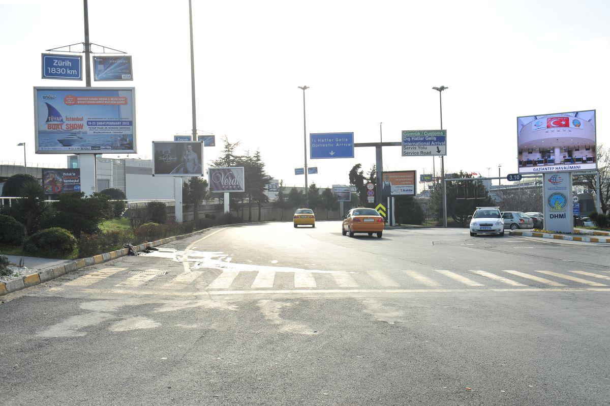 Durukan Reklam Ataturk Havalimani Pano A-16