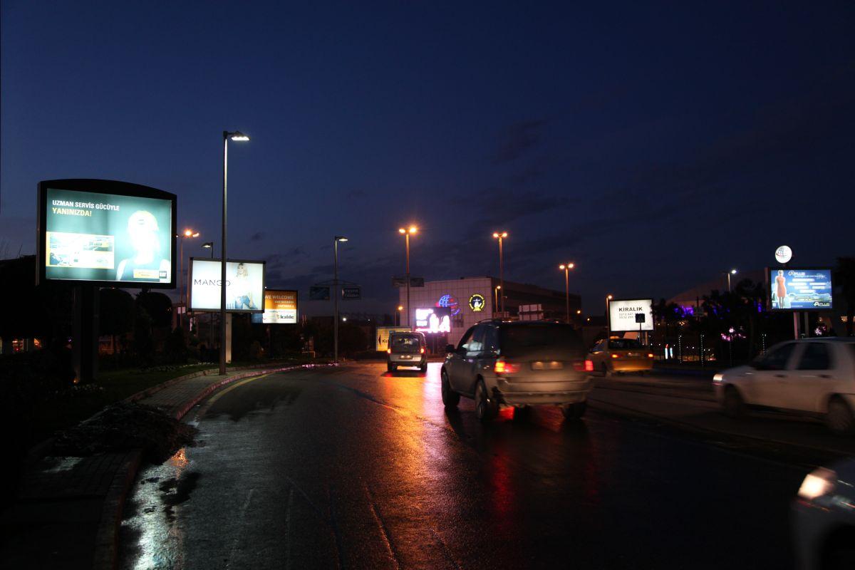 Durukan Reklam Ataturk Havalimani Pano A-23