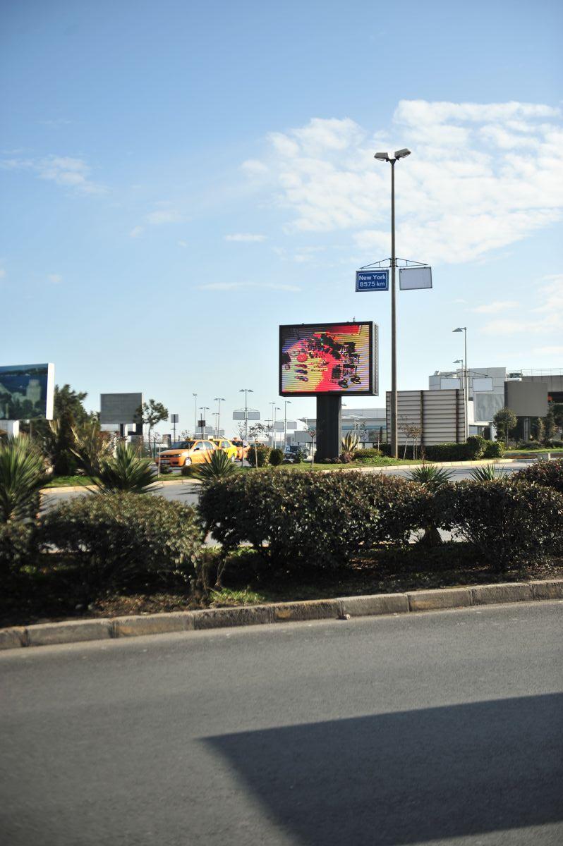 Durukan Advertising Ataturk Airport LED Screen L-01